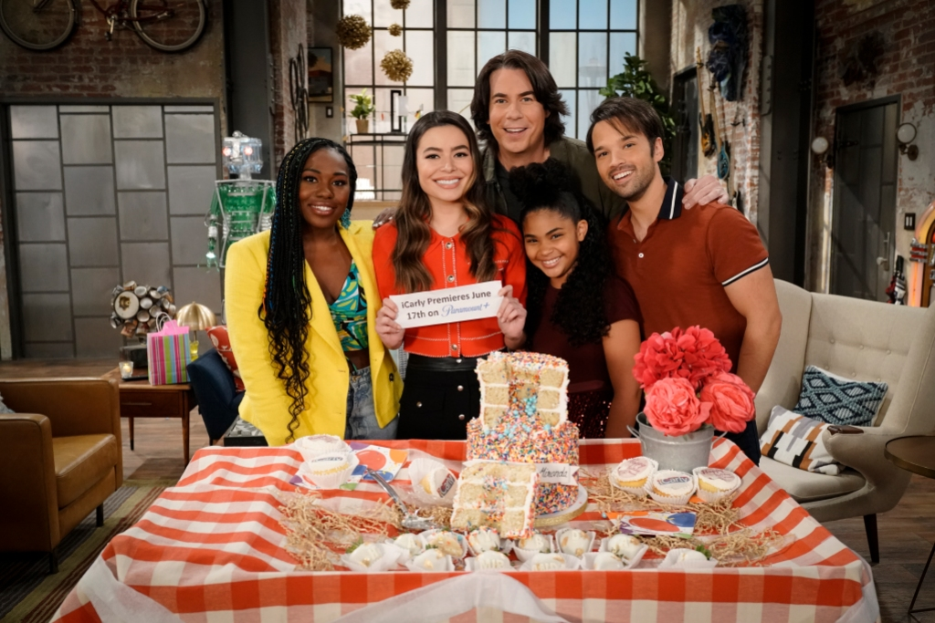 The 'iCarly' Reboot Is Coming! See Every On-Set Photo of Miranda Cosgrove and the Cast