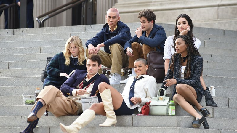 What Is the Big 'Twist' in the New 'Gossip Girl'? The Blogger's Secret Identity Revealed