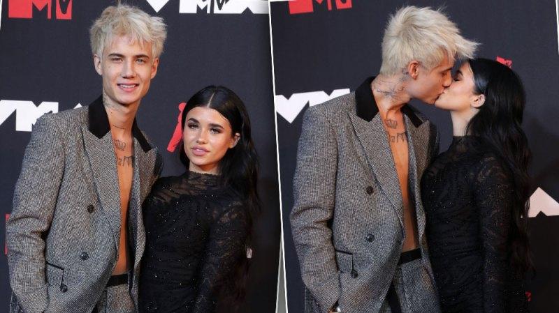 Jaden Hossler and Nessa Barrett Pack on the PDA at 2021 MTV VMAs: Photos