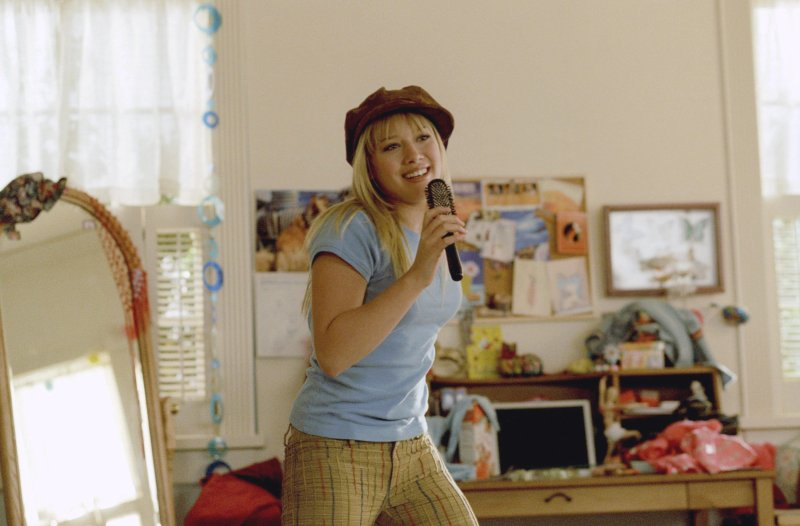 Why Did 'Lizzie McGuire' End? The Reason It's Off Disney Channel