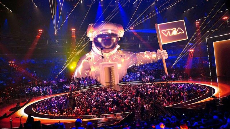 VMAs Moments